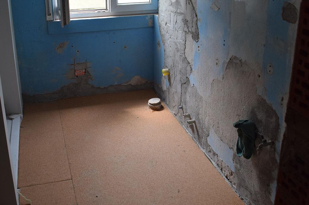 Pavimentazione bagno in appartamento di schio